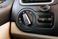 Accende la manopola di controllo in un'automobile Fotografia Stock Libera da Diritti