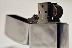 Accendino fatto di acciaio nella forma aperta Colore d'argento Fotografie Stock Libere da Diritti