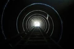 Accensione dell'estremità del tunnel. Immagine Stock