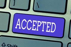 Accepterad handskrifttext Begreppsbetydelsen instämmer för att göra eller ge något godkännandetillåtelsebekräftelse fotografering för bildbyråer