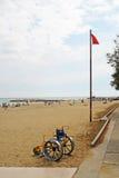 Accesibilidad para los minusválidos en la playa Foto de archivo