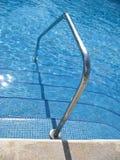 Acceso de la piscina fotografía de archivo libre de regalías