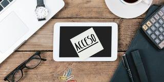 Acceso, spanischer Text für Zugang, gelbe klebrige Anmerkung, Büro-DES Stockfotos