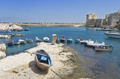 Acceso turístico de Giovinazzo. Apulia. Foto de archivo libre de regalías