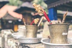 Accesorio del hinduism del budismo en un templo del balinese Isla de Bali, Indonesia Imagenes de archivo
