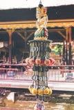 Accesorio del hinduism del budismo en un templo del balinese Isla de Bali, Indonesia Imágenes de archivo libres de regalías