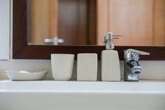 Accesorio del lavabo del cuarto de baño Imágenes de archivo libres de regalías