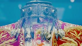 Accesorio tradicional Medio-Asiático de la vendimia Plata, dorado, piedras semipreciosas, ornamento del este almacen de video
