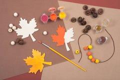 Accesorios coloridos para el arte de la caída Imágenes de archivo libres de regalías