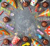 Accesorios coloridos para los partidos del ` s de los niños Foto de archivo libre de regalías