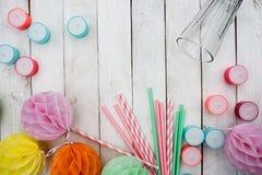 Accesorios coloridos para un partido del verano Imagenes de archivo