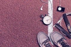 Accesorios corrientes del deporte en el hipódromo Imágenes de archivo libres de regalías