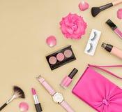 Accesorios cosméticos del maquillaje de la moda esencial Fotografía de archivo libre de regalías