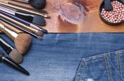 Accesorios cosméticos femeninos Fotos de archivo libres de regalías