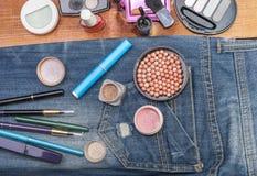 Accesorios cosméticos femeninos Foto de archivo