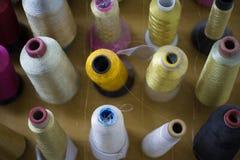 Accesorios de costura de la fábrica Fotos de archivo libres de regalías