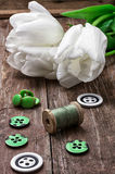 Accesorios de costura de los hilos y de los botones Foto de archivo libre de regalías