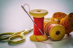 Accesorios de costura, herramientas Foto de archivo libre de regalías