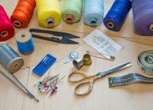 Accesorios de costura para la costura Fotos de archivo libres de regalías