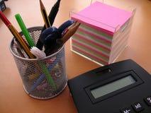 Accesorios de escritorio Imágenes de archivo libres de regalías