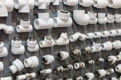 Accesorios de fontanería y piezas aflautadas Fotos de archivo libres de regalías