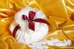 Accesorios de la boda en el papel Foto de archivo libre de regalías