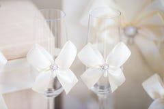 Accesorios de la boda para la mañana de la novia Foto de archivo libre de regalías