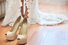 Accesorios de la boda para la novia fotografía de archivo