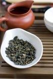 Accesorios de la ceremonia de té del chino tradicional Foto de archivo libre de regalías