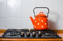 Accesorios de la cocina, caldera, fondo de la cocina Imagenes de archivo