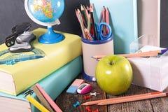 Accesorios de la escuela o del asunto Imagen de archivo libre de regalías