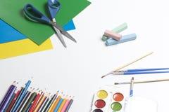 Accesorios de la escuela para la creatividad Imágenes de archivo libres de regalías