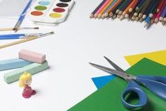 Accesorios de la escuela para la creatividad Fotos de archivo