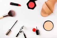 Accesorios de la moda y del maquillaje con el espacio de la copia en blanco Imágenes de archivo libres de regalías