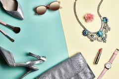 Accesorios de la mujer del diseño de la moda fijados mínimo Arte Fotos de archivo libres de regalías