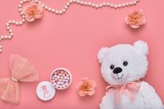 Accesorios de la mujer del diseño de la moda fijados Mínimo rosado Fotos de archivo libres de regalías