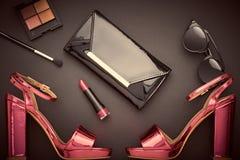 Accesorios de la mujer del diseño de la moda fijados Maquillaje del encanto Fotos de archivo