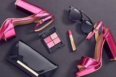 Accesorios de la mujer del diseño de la moda fijados Maquillaje del encanto Fotografía de archivo libre de regalías