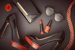Accesorios de la mujer del diseño de la moda fijados Maquillaje del encanto Imagenes de archivo