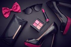 Accesorios de la mujer del diseño de la moda fijados Maquillaje del encanto Fotos de archivo libres de regalías