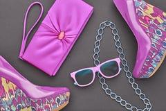 Accesorios de la mujer del diseño de la moda Noche del encanto hacia fuera Foto de archivo libre de regalías