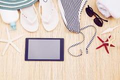 Accesorios de la playa del ` s de la mujer fotos de archivo libres de regalías