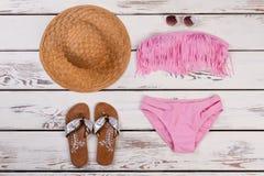 Accesorios de la playa para las vacaciones de verano Imagenes de archivo