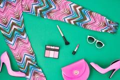 Accesorios de la ropa de la muchacha del styleFashion de la calle fijados Fotografía de archivo