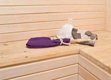 Accesorios de la sauna en el interior Fotos de archivo libres de regalías