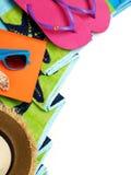 Accesorios de la toalla y de la playa Imagen de archivo libre de regalías