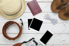 Accesorios de la visión superior a viajar concepto Fotos de archivo libres de regalías