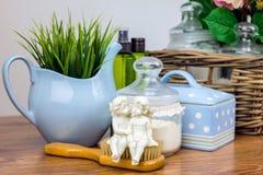 Accesorios del baño Items de la higiene personal Fotografía de archivo libre de regalías