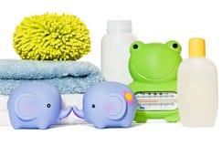 Accesorios del baño del bebé aislados Imagen de archivo
