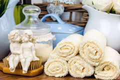 Accesorios del baño Items de la higiene personal Imagen de archivo